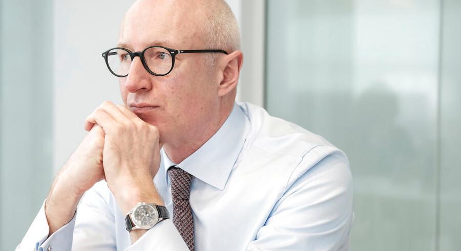 Novo Nordisk er endnu en gang kommet under beskydning for sin prispolitik i USA. Novo-topchef Lars Fruergaard Jørgensen har tidligere erkendt, at patienter i USA kommer i klemme.