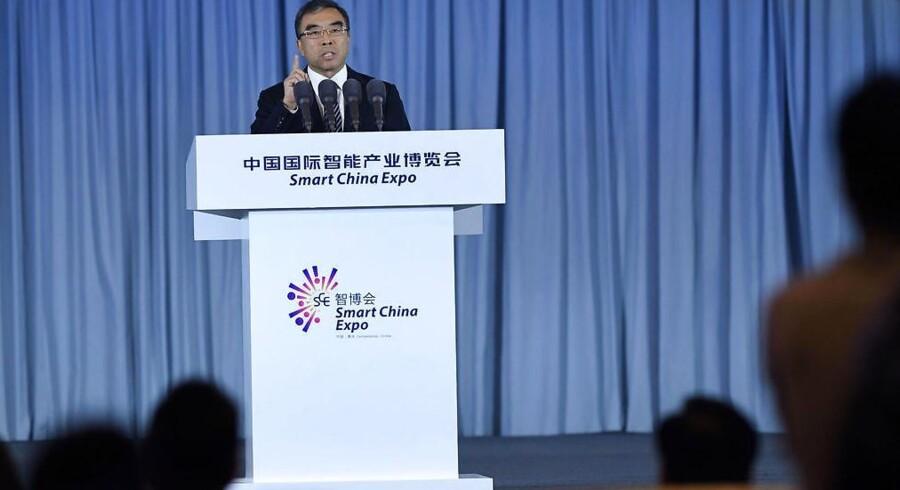 Huaweis bestyrelsesformand, Liang Hua, slog i Davos fast, at den kinesiske telegigant vil fokusere på, hvor den er velkommen. Arkivfoto: Chen Chao, CNS/Reuters/Ritzau Scanpix