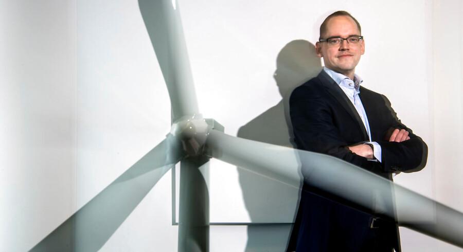(Arkivfoto) Martin Neubert, koncerndirektør med ansvaret for Wind Power hos Ørsted, forsikrer over for nyhedsbureauet Reuters, at Ørsteds 200 milliarder kr. store investeringsplan for vindmøller frem til 2025 står fast, selvom politikerne har stoppet salget af elforretningen Radius.