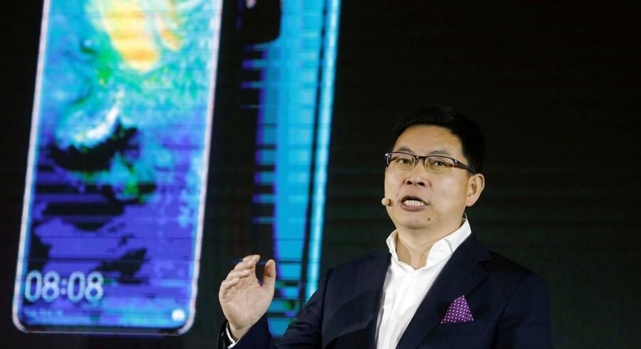 Huawei bliver senest næste år, og måske allerede inden nytår, verdens største smartphoneproducent, siger mobildirektør Richard Yu fra den kinesiske gigant. Foto: Thomas Peter, Reuters/Ritzau Scanpix