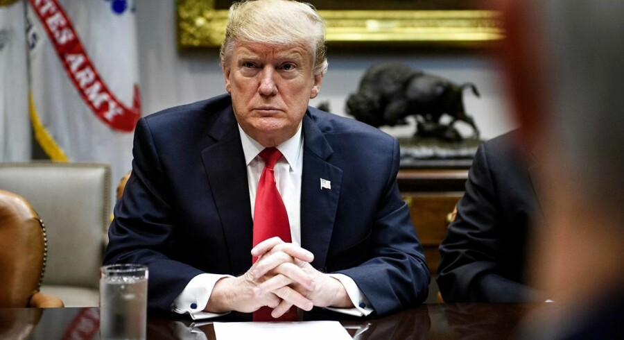 USAs præsident, Donald Trump, fastslår, at han ikke vil tøve med at erklære national undtagelsestilstand, hvis ikke der bevilliges penge til grænsemuren mod Mexico.