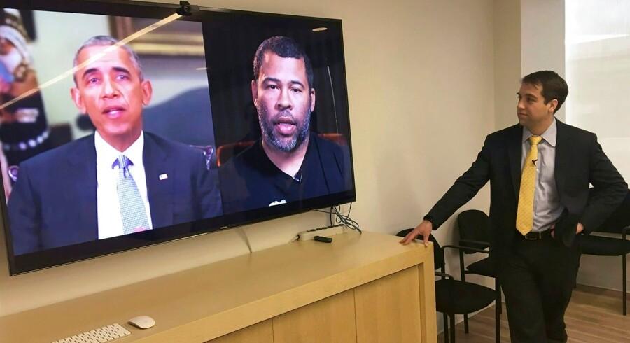 Instruktør og skuespiller Jordan Peele (til højre på skærmen) lavede med teknologiens hjælp sidste år en perfekt udgave af Barack Obama for at vise, hvor grotesk man kan bruge »deepfake« til at sende falske videoer ud, uden at det for det almindelige øje er til at afsløre.