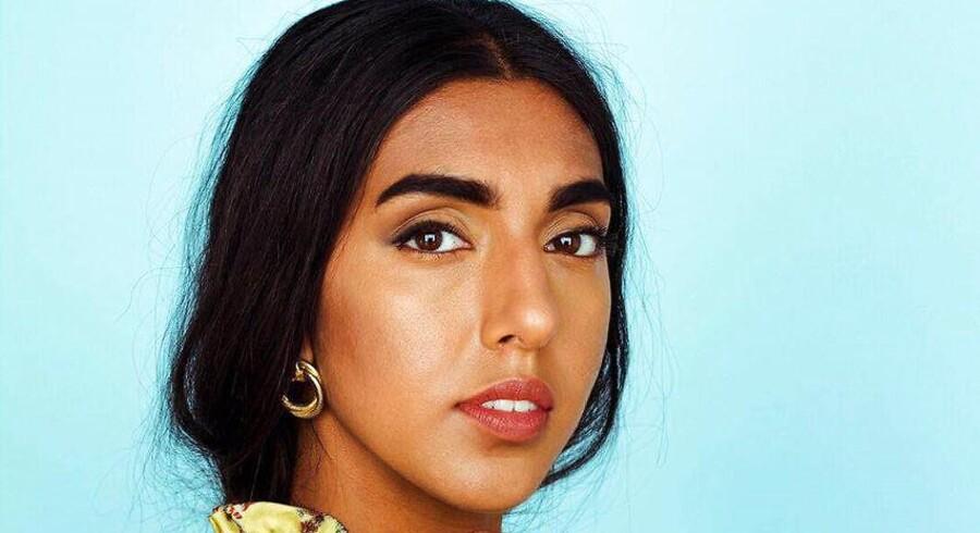 Rupi Kaur af indisk og canadisk herkomst blev verdenskendt med digtsamlingen »Milk and Honey« og omsatte for ni millioner kroner på den alene. Katherine Diez gav bogen to stjerner her i bladet.