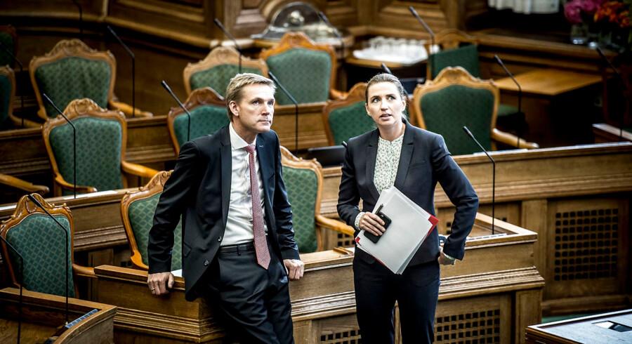 I sidste uge erklærede DF-formand Kristian Thulesen Dahl sin støtte til Socialdemokratiets forslag om at indføre en differentieret pensionsalder. Men når netop pensionsalder skal debatteres i Folketinget tirsdag, står han og S-formand Mette Frederiksen hver for sig.