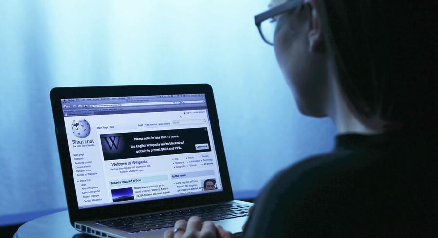 Wikipedias opslag bliver pirmært skrevet af mænd. Ny kampagne vil have flere kvinder ind på det moderne leksikon.