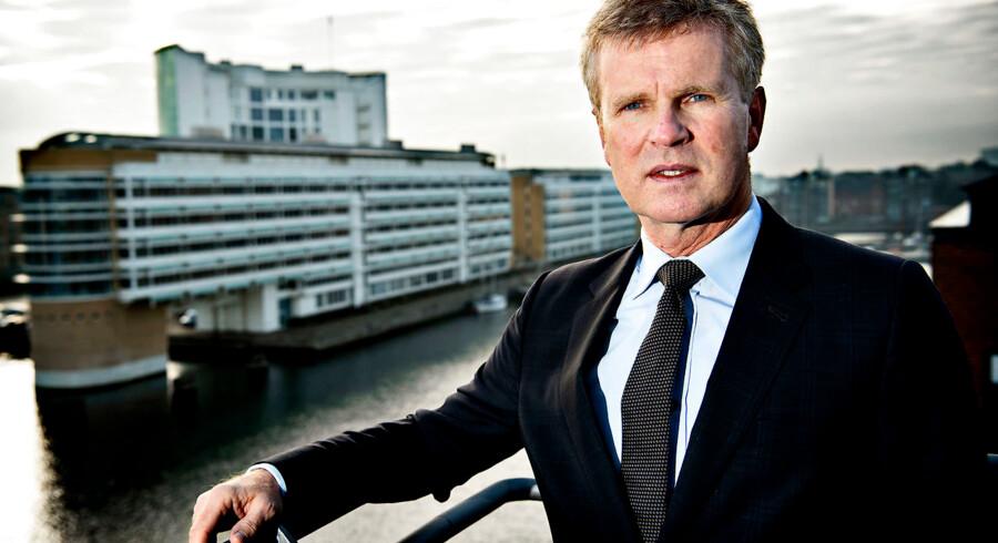 Henrik R. Mulvad er ny CEO for revisions- og rådgivningsvirksomheden KPMG, der for fem år siden måtte starte forfra på det danske marked. Det er hans første CEO-job. »Det passer godt til mig, fordi der både er noget, der skal bygges videre på og bygges op, og det er jeg god til,« siger han.