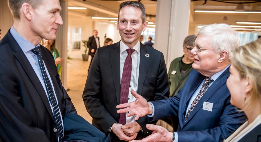 DF-formand Kristian Thulesen Dahl (DF), finansminister Kristian Jensen (V) og Bjarne Hastrup fra Ældre Sagen inden debat om tidligere tilbagetrækning hos Ældre Sagen i København onsdag den 6. februar 2019.