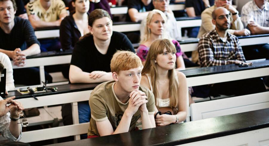 Tommy Ahlers og regeringen vil give unge gymnasieelever mulighed for at begynde på universitetet og tilmed få ECTS-point for det.