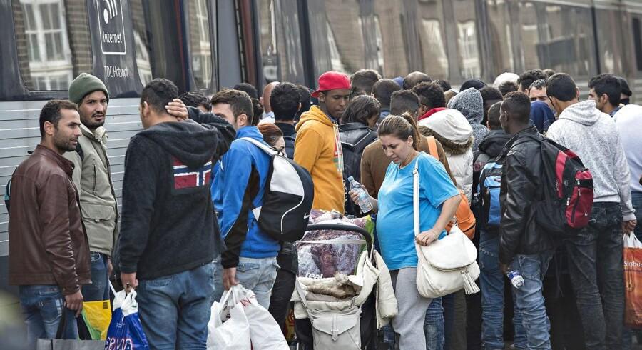 Med det nye paradigmeskift i dansk udlændingepolitik vil man undgå, at flygtninge bliver til indvandrere, sådan som praksis er i dag for langt de fleste. Det er et godt mål at forfølge.