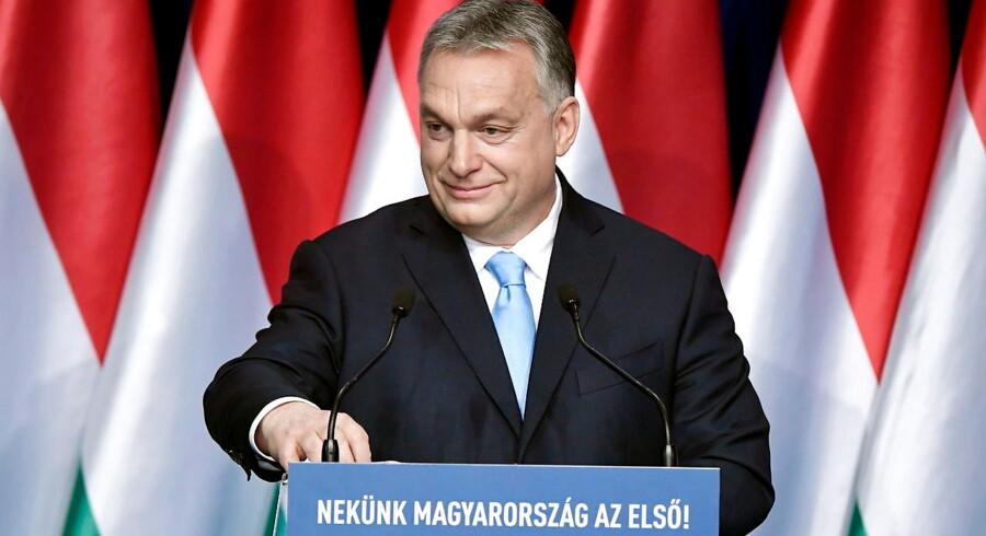 Ungarns kvinder kan slippe for at betale indkomstskat resten af livet, såfremt de føder mindst fire børn. Gifter de sig, inden de bliver 40 år, kan de få adgang til gode lån, lovede landets premierminister, Viktor Orbán, søndag i sin årlige tale til nationen.
