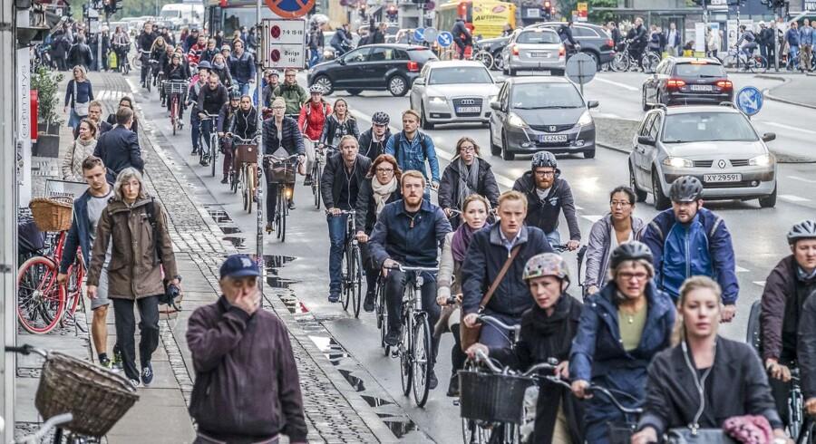 Befolkningen i Danmark vokser, men det skyldes primært, at vi lever længere og længere. Det giver en udfordring for dansk økonomi.