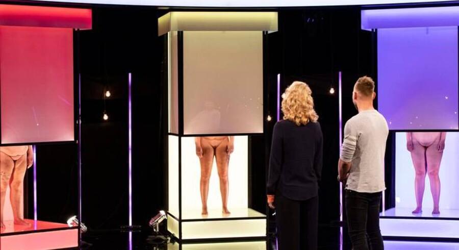 Fem kønsdele på stribe åbenbares i »Date mig nøgen«. Foto: TV 2