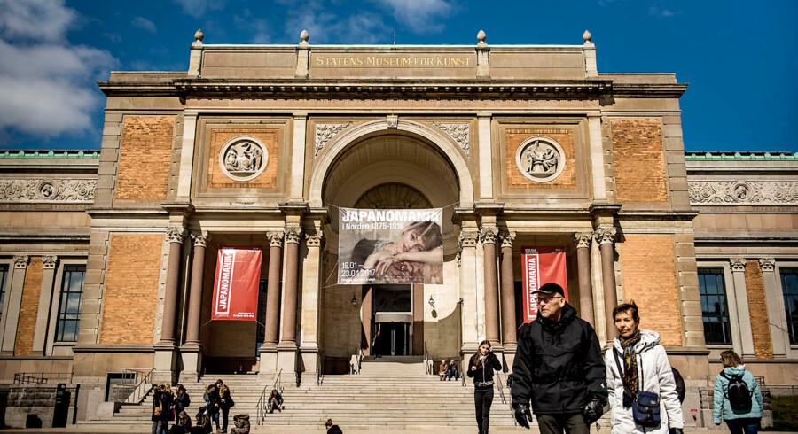 Der er ikke nødvendigvis noget galt i kommerciel tænkning: Museer, der tænker kommercielt, vil ofte have gæstens oplevelse i centrum og derfor være attraktive og spændende at besøge. Problemet opstår, når begrundelsen for museer begynder at skride og næsten udelukkende bliver kommerciel. Her Statens Museum for Kunst.