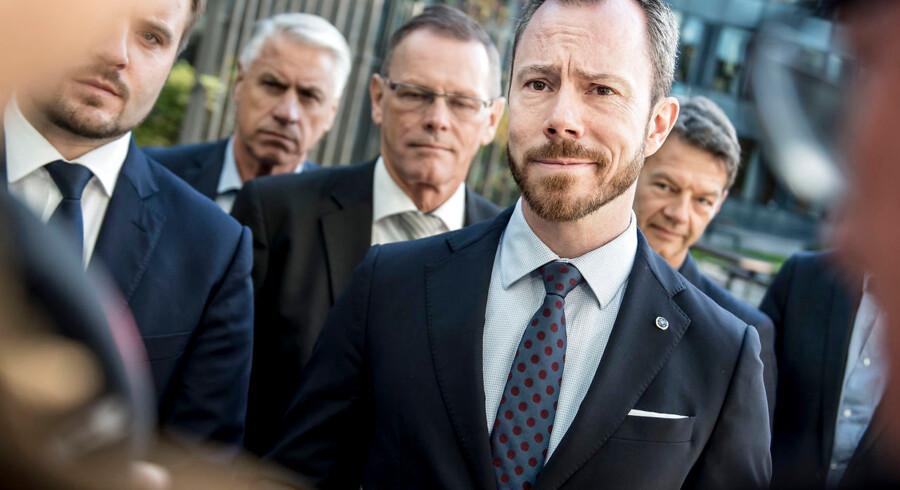 Miljø- og fødevareminister Jakob Ellemann-Jensen (V) afviser at gribe ind over for landbruget, selv om regeringen længe har advaret om, at kvælstofreduceringen ikke ville ske af frivillighedens vej.