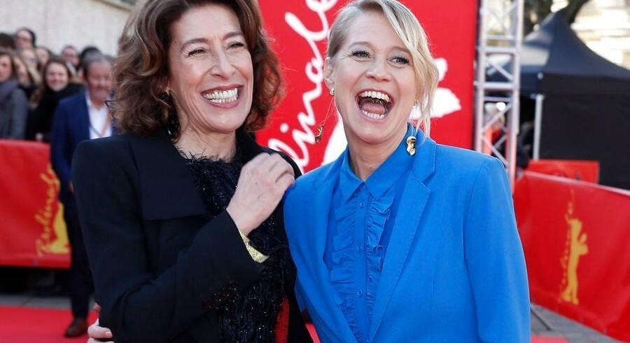 Den østrigske skuespiller Adele Neuhauser og danske Trine Dyrholm på den røde løber forud for premieren på »Brecht« ved den 69. filmfestival i Berlin.