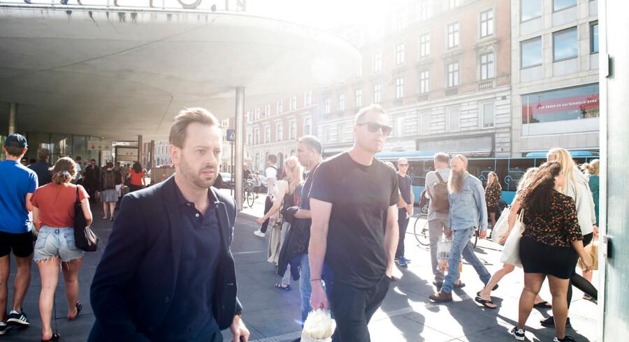 Kampagner, politi og overvågningskameraer skaber ikke mere tryghed i København – det gør vi selv. Derfor skal vi blive bedre til at hjælpe hinanden og gribe ind, når vi for eksempel oplever, at andre mennesker bliver udsat for verbale overgreb.