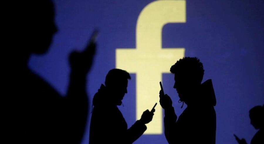 Lækagen af mange millioner Facebook-brugeres personlige oplysninger ser nu ud til at komme til at koste Facebook en betydelig sum. Arkivfoto: Dado Ruvic, Reuters/Ritzau Scanpix