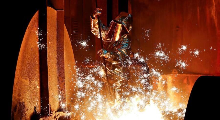 Beskæftigelsen i den amerikanske stålindustri er ikke steget, efter at ståltolden blev indført, men der produceres mere til en højere pris.