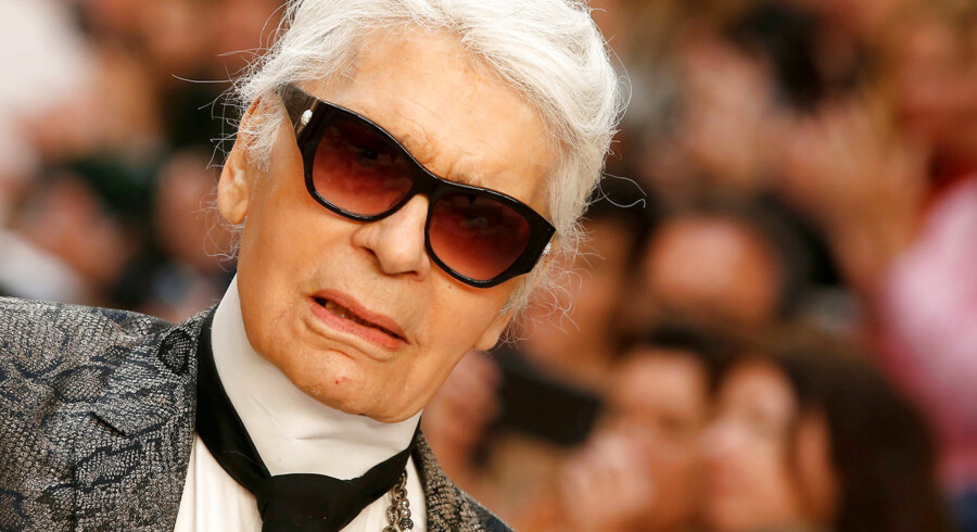 FILE PHOTO - German designer Karl Lagerfeld appears at the end of his 2017/2018 Cruise collection show for French fashion house Chanel in Paris, France May 3, 2017. REUTERS/Gonzalo Fuentes /File Photo