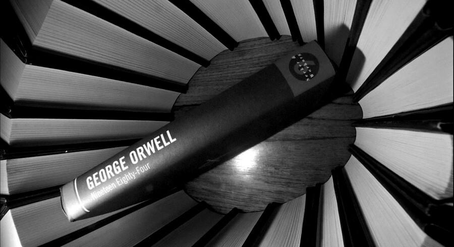 George Orwell skrev i 1949 den dystopiske fremtidsroman »1984«, hvor fortiden konstant ændres, så den passer ind i den dagsorden, Partiet, der er ledet af Big Brother, har lagt for dagen.