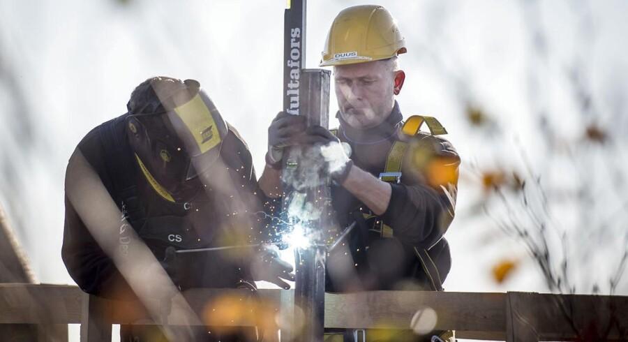 Jobfesten kører for fuldt tryk i den danske økonomi – især inden for byggeriet. December sidste år var der dog den mindste fremgang i beskæftigelsen i over fem år.