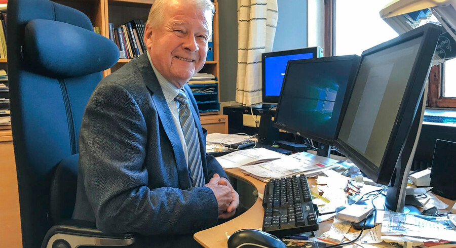 Manden, som nordmændene hader og elsker, er tilbage i Stortinget. Den tidligere partileder Carl I. Hagen vil som menigt medlem af Fremskrittspartiet forsøge at sætte fokus på indvandrerkritik og klimaskepsis.