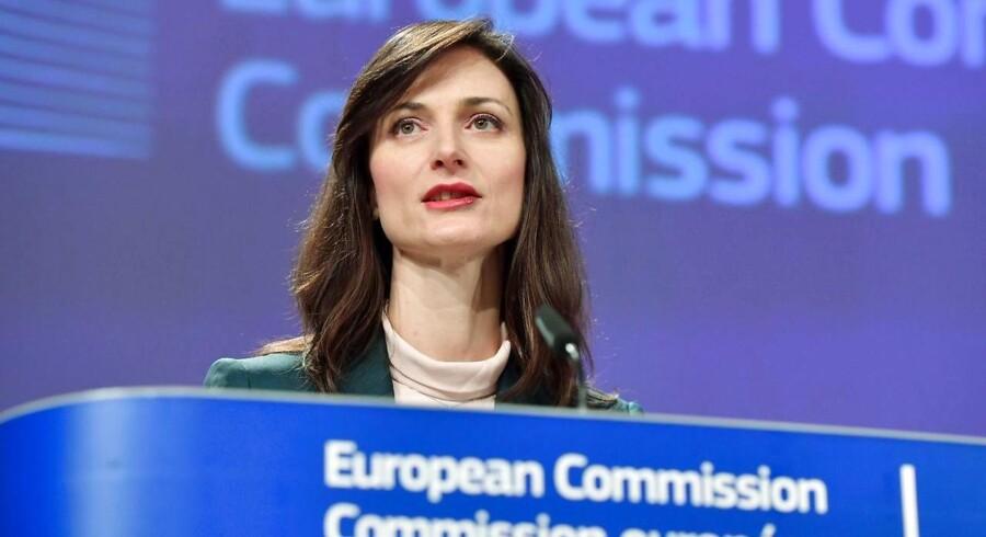 EUs kommissær for den digitale økonomi og det digitale samfund, Mariya Gabriel, siger, at EU snart er klar til at træffe beslutning om, hvilke krav man skal stille til selskaber, der ønsker at levere vital infrastruktur i Europa. Arkivfoto: Emmanuel Dunand, AFP/Ritzau Scanpix