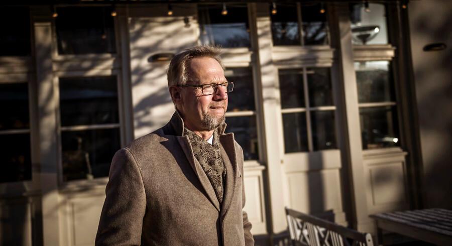 Ifølge Anders Dam, ordførende direktør i Jyske Bank, vil et hvidvasktilsyn i EU-regi være overflødigt, eftersom det nationale eftersyn allerede kan varetage opgaven tilstrækkeligt. Direktørens afslag kommer oven på et skuffende årsregnskab.