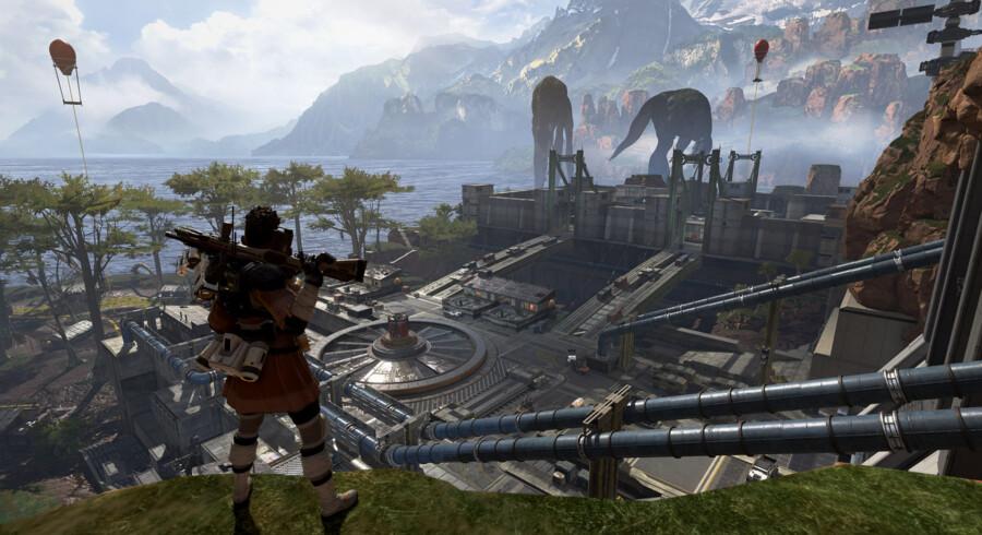 Du lander på den øde ø med to holdkammerater, og så starter overlevelseskampen mod adskillige andre hold. Find våben, læg en plan, overlev. »Apex Legends« er det bedste spil i »battle royale«-genren indtil videre.