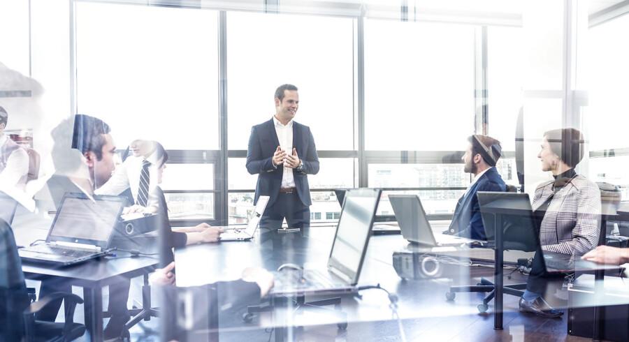 Inden Søren indleder processen med at finde en ny afdelingsleder, skal han tage en dialog med Peter og sikre, at han fortsat føler sig værdsat og velkommen i virksomheden.