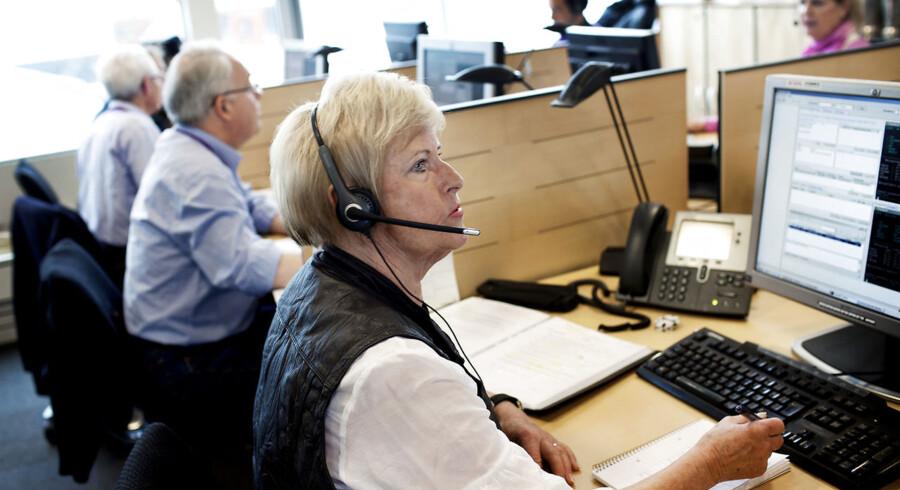 Arkivfoto. Seniormødebooker Ingrid Breitung på 70 år, der sidder i det team af seniorer, som Codan har ansat til at ringe og booke møder med selskabets assurandører. Codan har haft de ældre ansat til opgaven i et år, og de har rigtig gode erfaringer med det, fordi det ældre møder kunderne på en bedre måde i telefonen end de studerende, der normalt har haft den type job i organisationen.