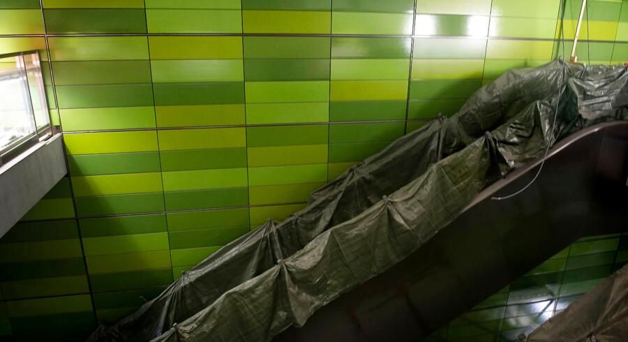 Hovedstadens borgere venter stadig på startskuddet. På foto er det stationen på Frederiksberg Allé, der venter. Åbningsdatoen for fjerde etape af Københavns Metro, også kaldet Cityringen, mangler tre »milepæle«, før den kan åbne.