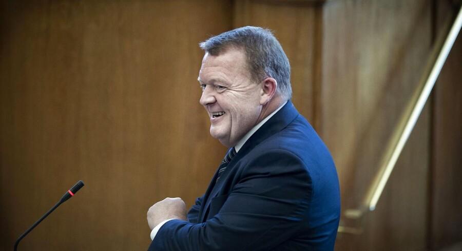 Lars Løkke Rasmussen er en mand, der hviler i sig selv, har styr på tingene og selvironi – det kan komme ham til gode.