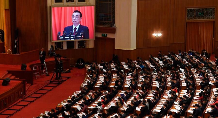 Den kinesiske premierminister, Li Keqian, taler til den årlige folkekongres, hvor 3.000 delegerede i disse dage mødes for at fastsætte den fremtidige kurs for Kina.