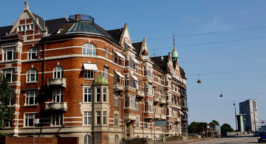 Ejerlighederne vælter ud på markedet i disse år, og især København nyder godt af det stigende udbud. Den seneste tids afmatning af priserne kan have en afgørende og afsmittende effekt på resten af boligmarkedet, siger boligøkonomer.