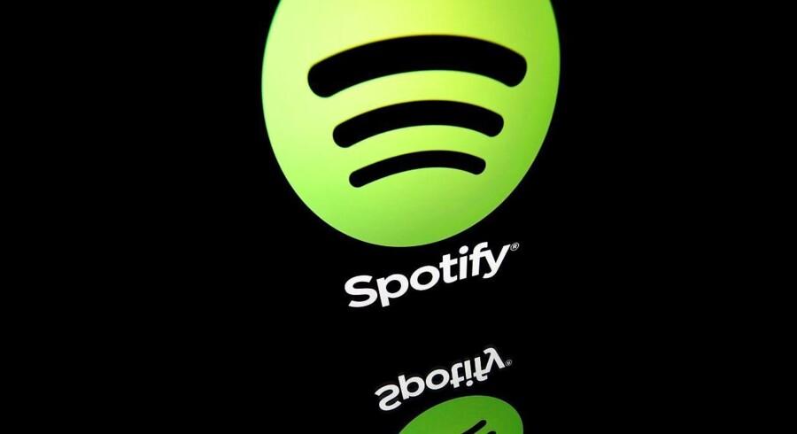 Apple har presset Spotify til at hæve priserne, fordi Apple tager 30 procent af indtægten, når man er med i Apples appstore-netbutik. Arkivfoto: Lionel Bonaventure, AFP/Ritzau Scanpix