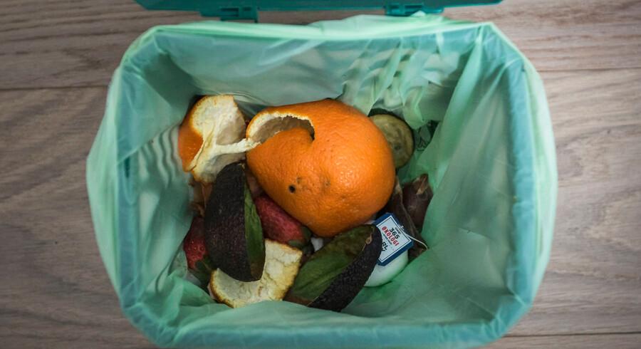 De grønne affaldsposer til organisk materiale indeholder 70 pct. plast. Når indholdet er tømt brændes de sammen med almindeligt affald.