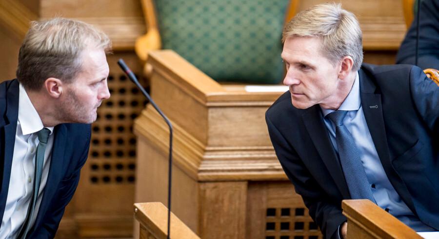 »Vi havde hellere set, at vi stod til fremgang. Men vi er også bevidste om, at vi ikke kan opretholde den fremgang, vi fik fra sidste gang,« siger gruppeformand i Dansk Folkeparti, Peter Skaarup.