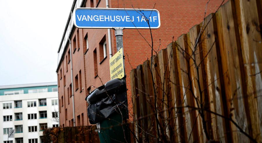 Vangehusvej på ydre Østerbro i København, hvor en 81-årig kvinde og en 80-årig mand er blevet dræbt i marts 2019. Politiet har sigtet en 26-årig mand for drab på de to ældre mennesker samt en 83-årig kvinde, der døde i februar, og som allerede var kremeret, da drabsmistanken opstod.