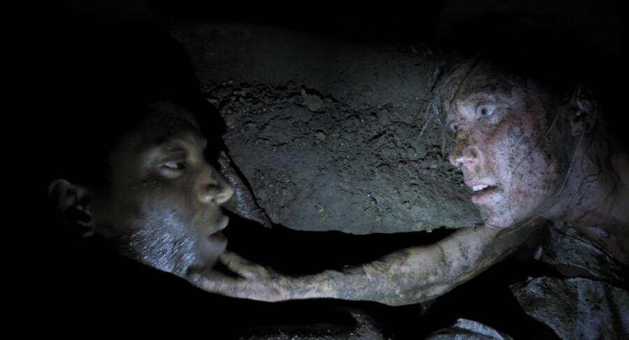Samson Semere og Christine Sønderris i undergrunden i »Cutterhead«.