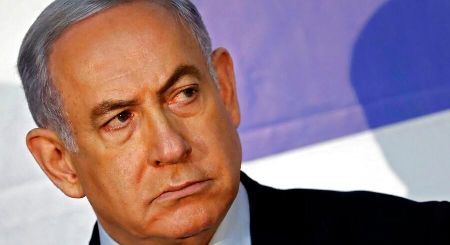 Premierminister Benjamin Netanyahu har lagt en retorisk hård linje over for arabiske israelere op til parlamentsvalget i Israel.