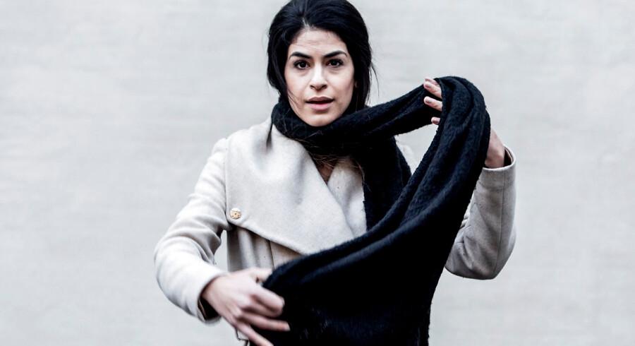 Yasmin Mahmoud spiller June, en dasnk pige der rejser til Syrien for at bekæmpe ISIS.