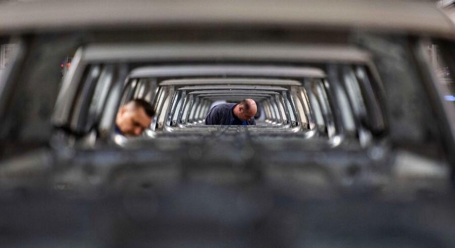 Tysk bilindustri er epicentret for afmantningen i tysk industri, men det er efterhånden svært at tale om midlertidige forhold, der åbner for en hurtig bedring. Krisen ser ud til at have bidt sig fast.