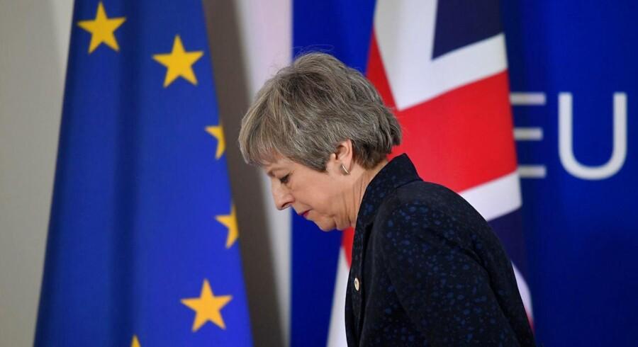 De britiske politikeres håndtering af Brexit er et stjerneeksempel på, hvordan politikere kan tage erhvervslivet som gidsel i det politiske spil. Mange arbejdspladser vil blive tabt på både kort og lang sigt.
