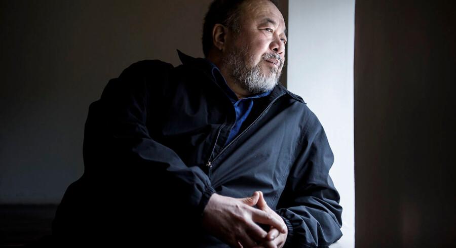 »Danskerne har et utroligt liv her. De er rige, elegante, priviligerede, veluddannede og har en skøn natur,« siger kunstneren Ai Weiwei på besøg i København.