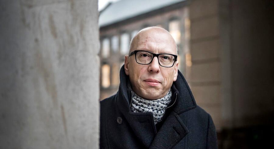 Alex Ahrendtsen fra Dansk Folkeparti siger, at de nye betingelser i den sendetilladelse, som Radio24syv har i øjeblikket, skal skabe bedre balance i mediebilledet mellem København og det øvrige Danmark.