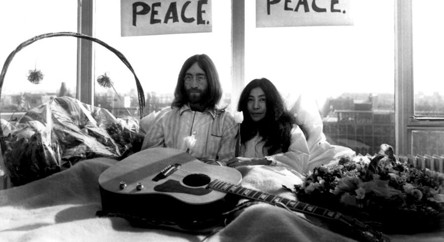 I seng for freden: John og Yoko på Amsterdam Hilton, marts 1969. Foto: Keystone/Hulton Archive/Getty Images.