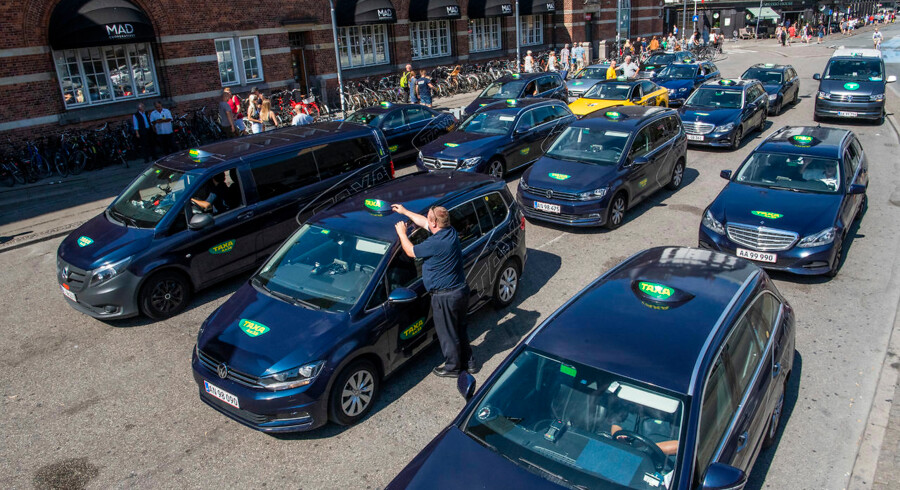 foto af taxa ved Hovebanegården.
