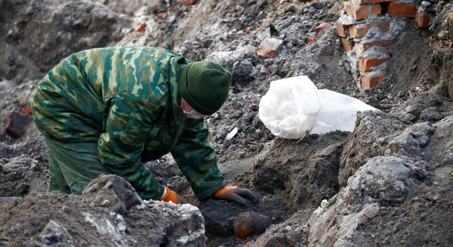 Hviderussiske soldater har fundet mere end 1.000 lig i en nazistisk massegrav i Brest, Hviderusland.