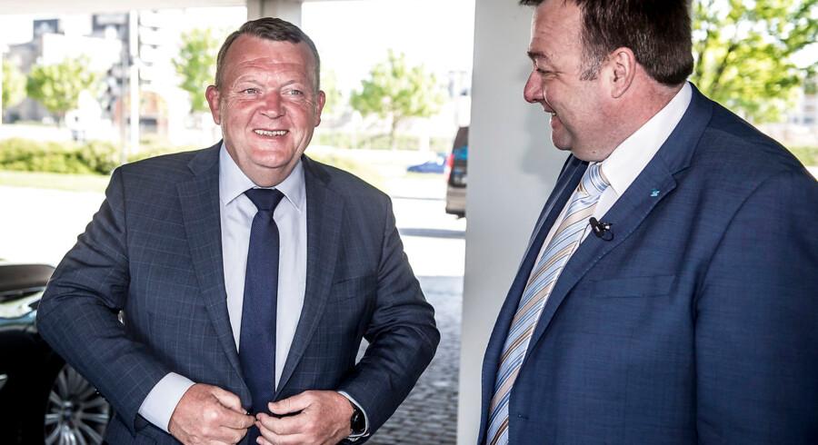 Lars Løkke Rasmussen lufter tanken om at indføre mindsteløn i Danmark. Det er en dårlig idé, betoner Dansk Metals formand Claus Jensen (til højre). Arkivfoto.
